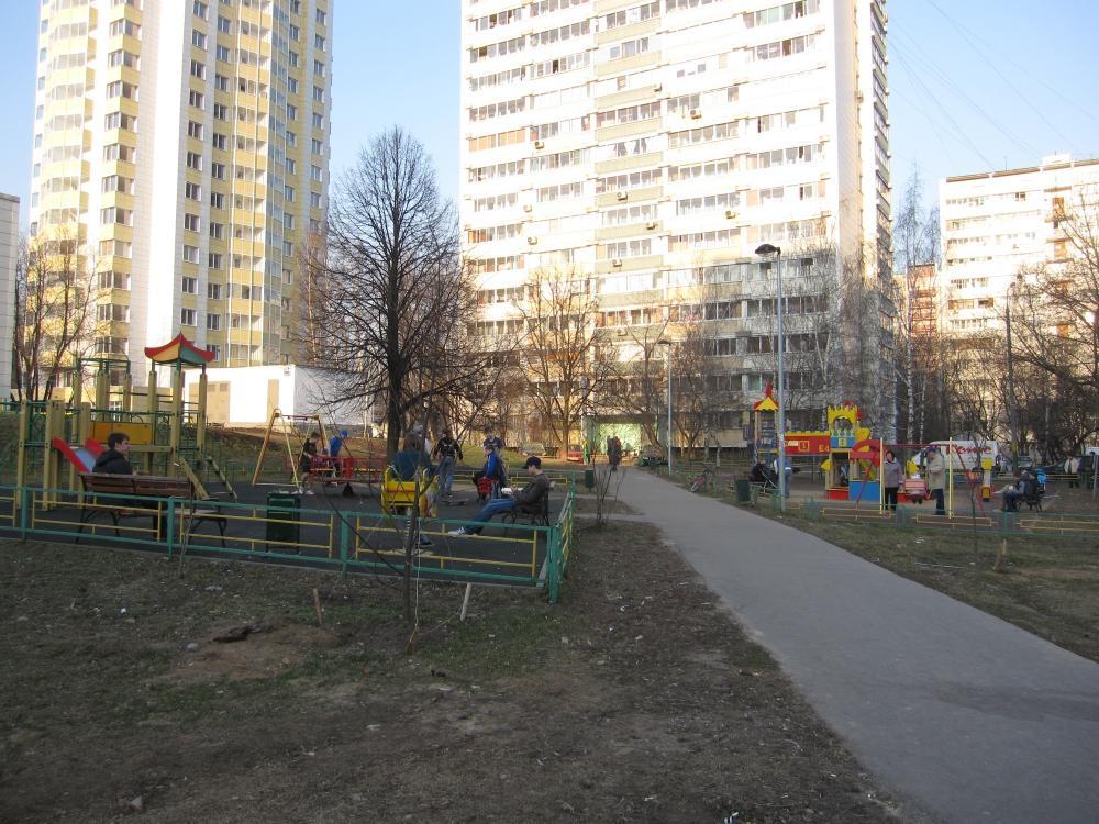 9c94422e8742 Алчный «Бугорок» противостоит жителям Северного Медведково. | КПРФ ...