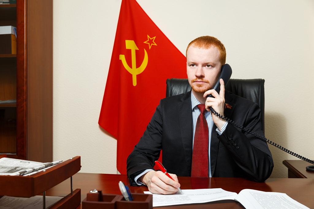 Д.А.Парфенов в кабинете