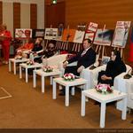 Коммунисты в Госдуме провели круглый стол, посвященный Дню матери в России