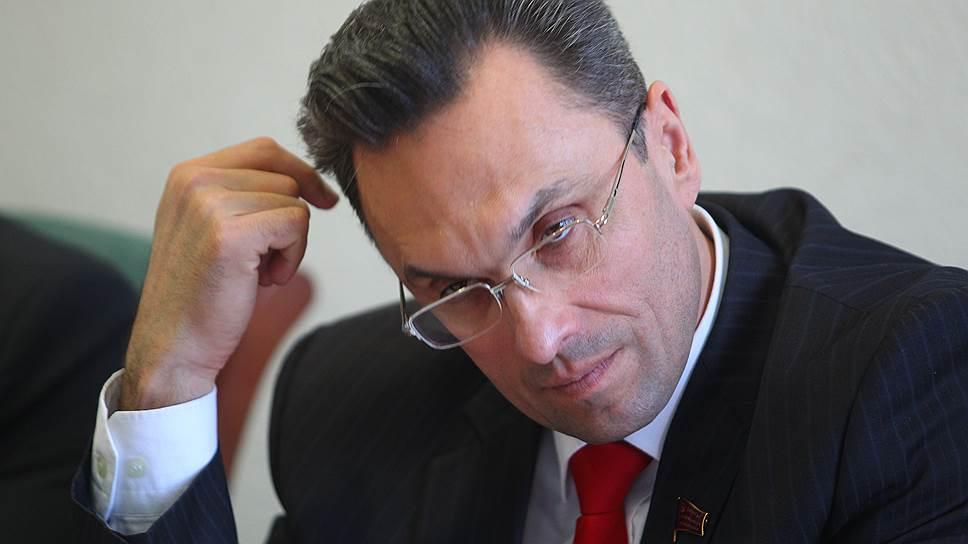 списал депутат владимир бессонов фото почему-то долго